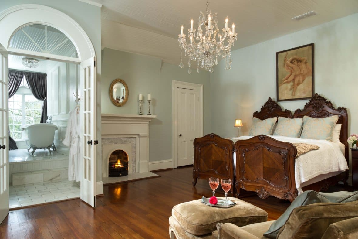 """1836 Twelve Oaks of """"Gone With The Wind"""" For Sale In Covington Georgia"""
