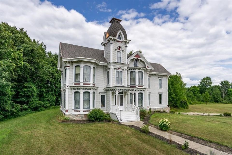 1865 Italianate For Sale In Lapeer Michigan