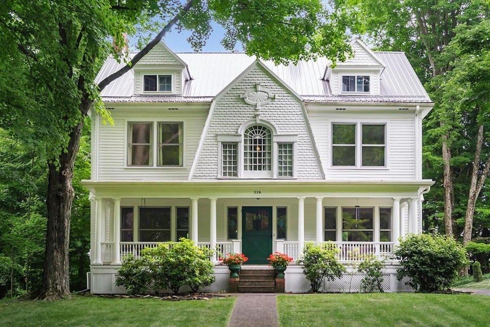 1893 Dutch Colonial For Sale In Granville Ohio