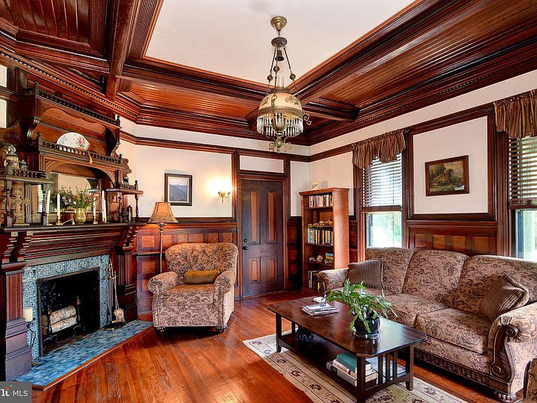 1882 Victorian For Sale In Cambridge Maryland