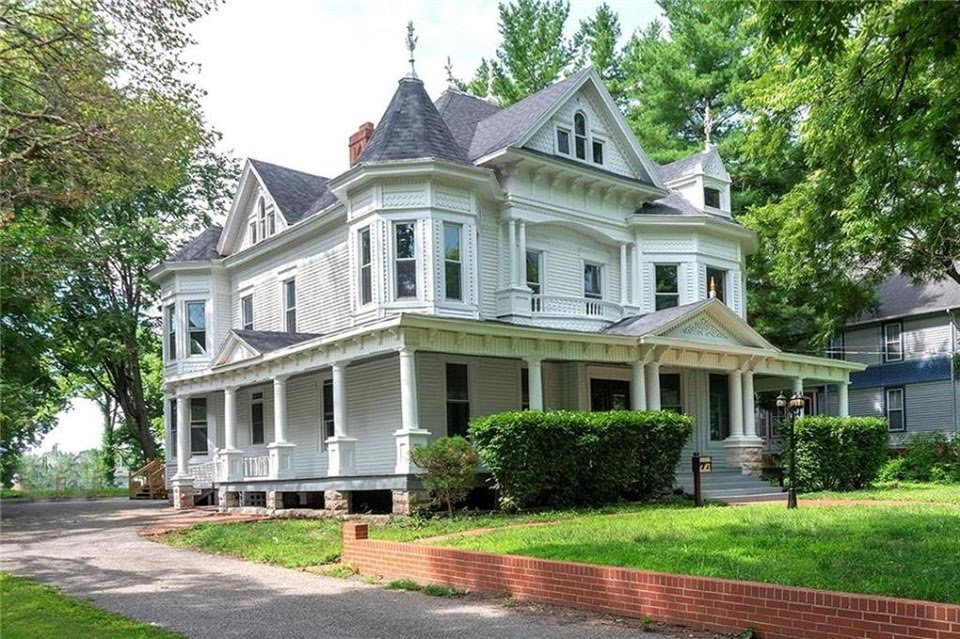 1875 Queen Anne For Sale In Marshall Missouri