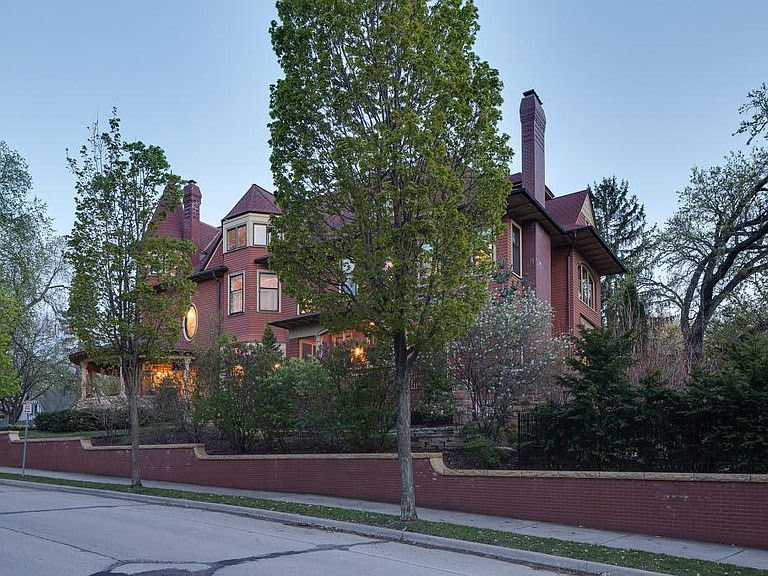1900 Queen Anne For Sale In Minneapolis Minnesota
