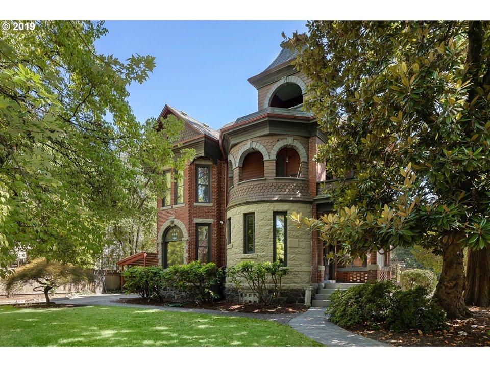 1892 Mansion In Portland Oregon