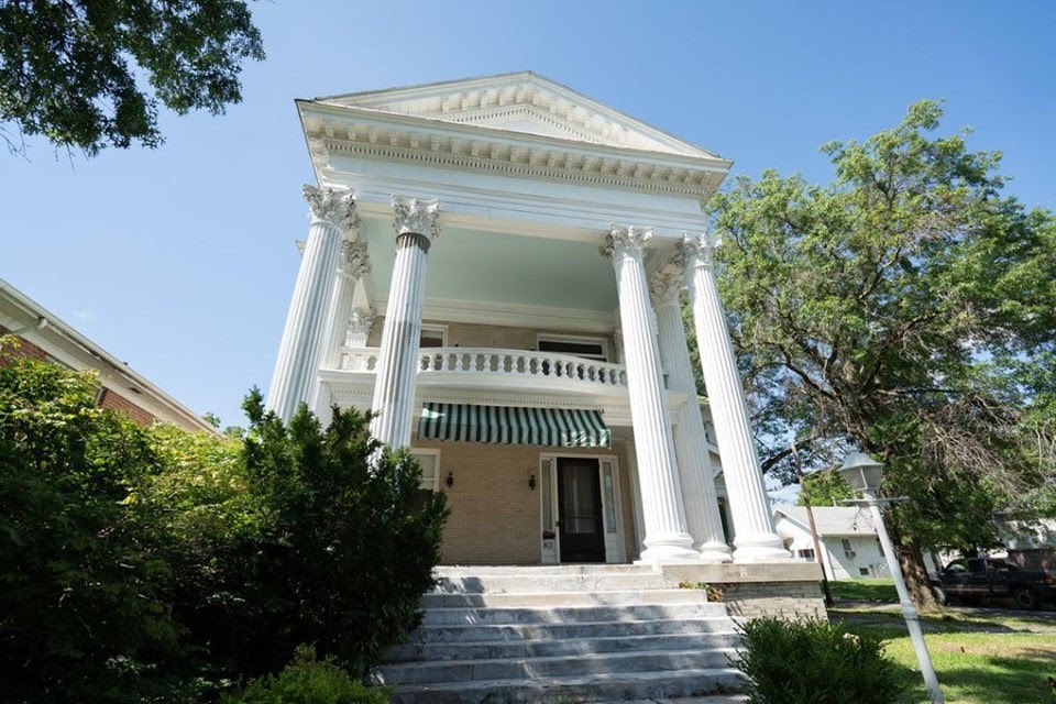 1909 Greek Revival For Sale In Moberly Missouri