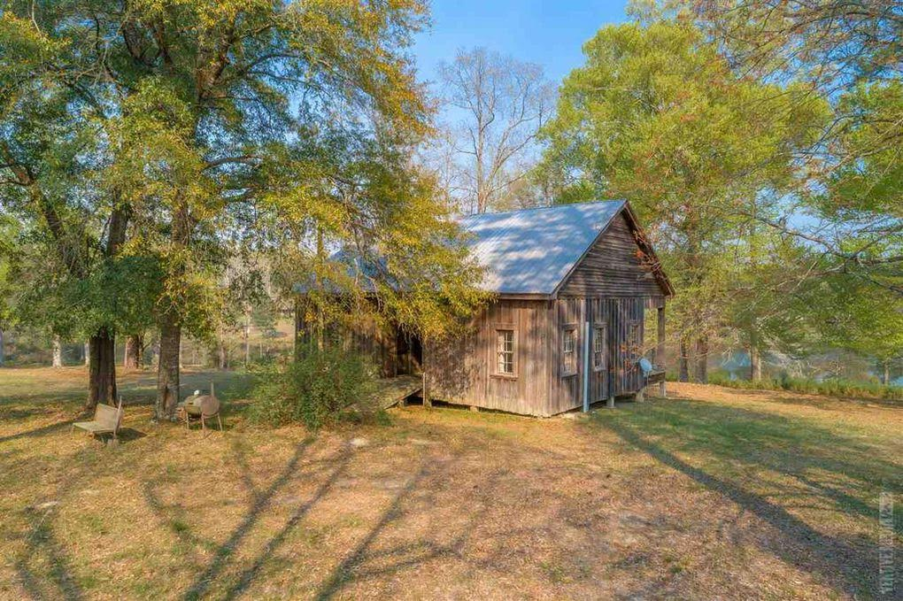 1886 Farmhouse For Sale In Wiergate Texas