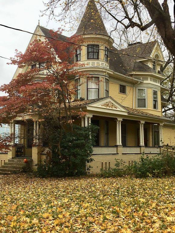 1895 Queen Anne For Sale In Watseka Illinois