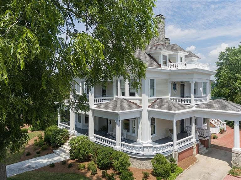 1902 Mansion For Sale In Smithfield Virginia