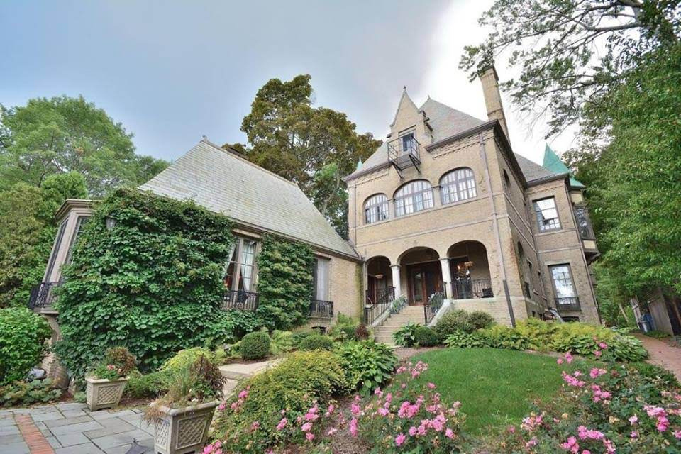 1912 Mansion For Sale In Milwaukee Wisconsin