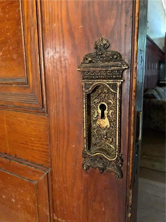 1890 Fixer Upper For Sale In Saint Joseph Missouri