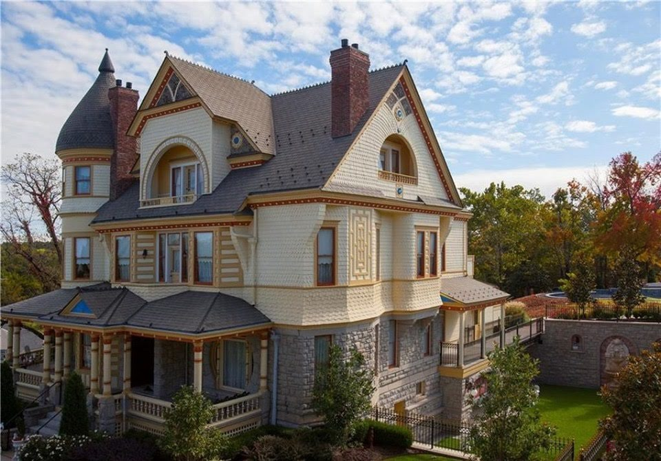 1891 Queen Anne For Sale In Eureka Springs Arkansas