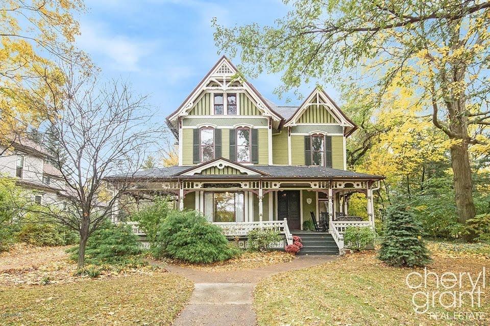 1881 Victorian For Sale In Grand Rapids Michigan