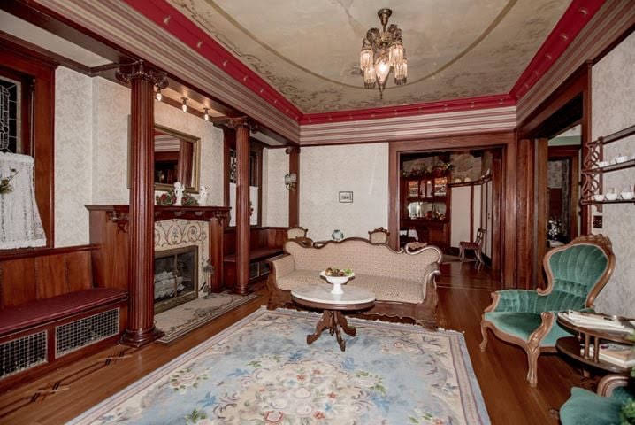 1880 Queen Anne For Sale In Ligonier Indiana