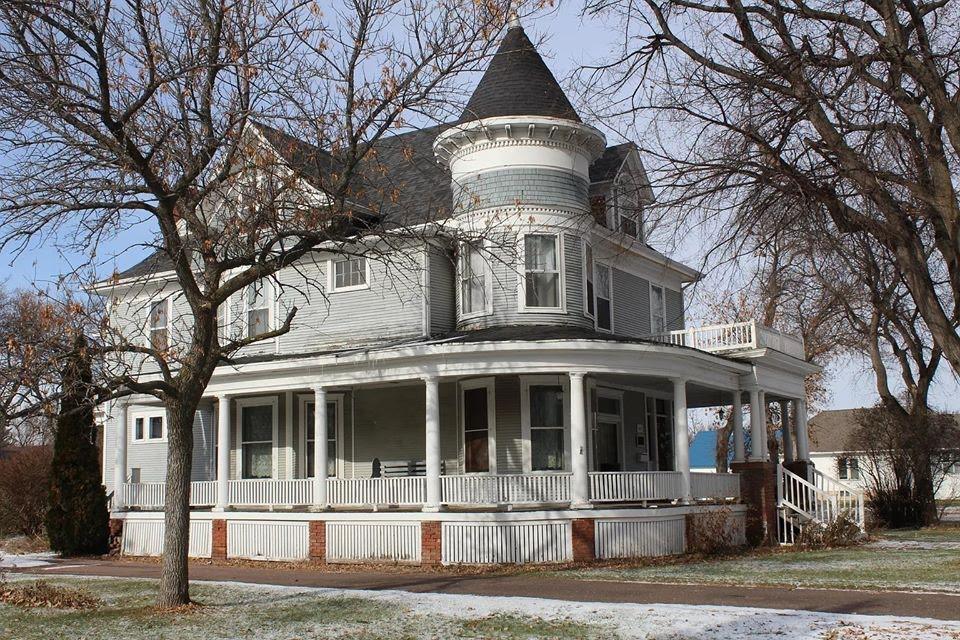 1905 Victorian For Sale In Aberdeen South Dakota