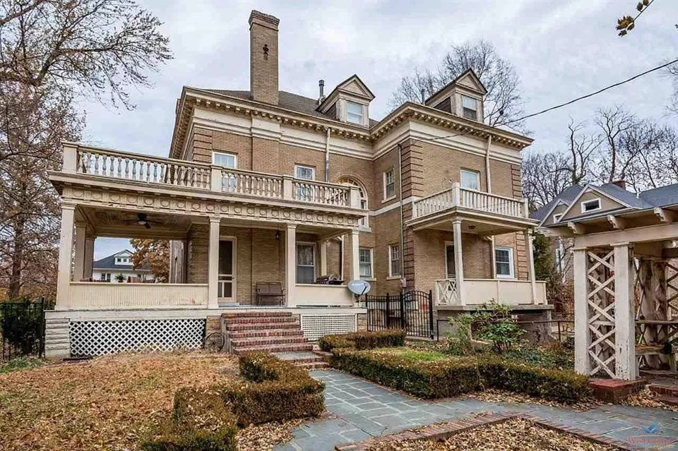 1900 Historic House For Sale In Sedalia Missouri