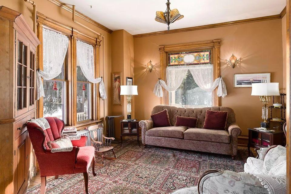 1896 Queen Anne For Sale In Soldiers Grove Wisconsin