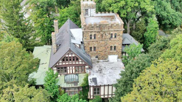 1904 Hoffman Castle For Sale In Tuxedo Park New York