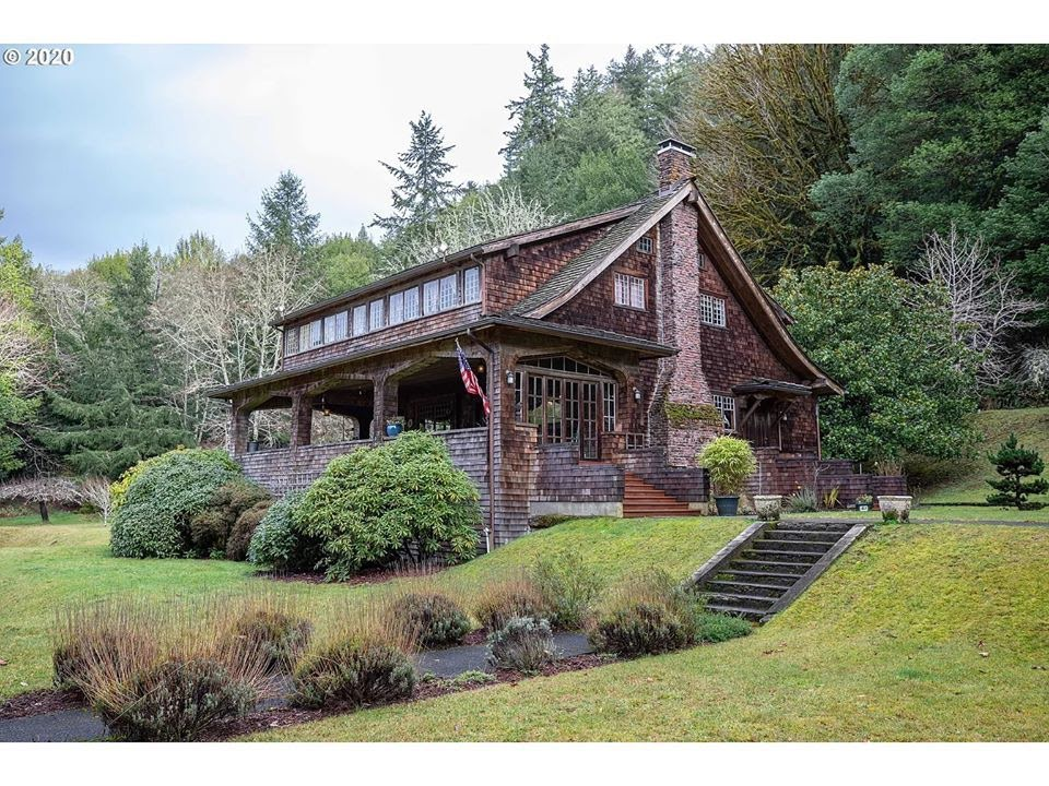 1907 Craftsman In Coos Bay Oregon