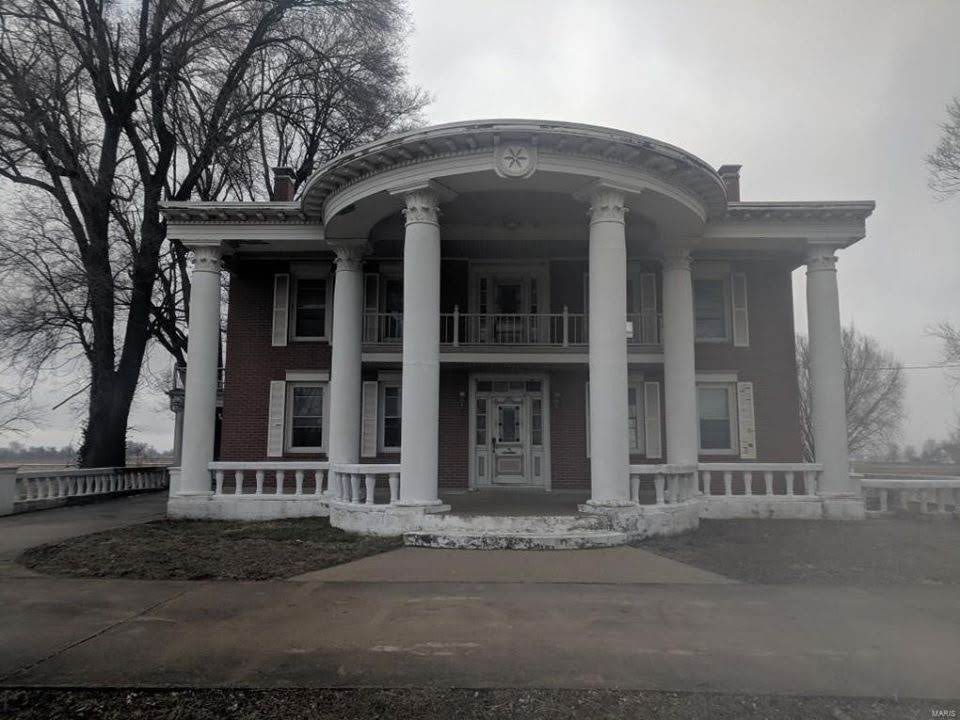 1890 Fixer Upper In Granite City Illinois