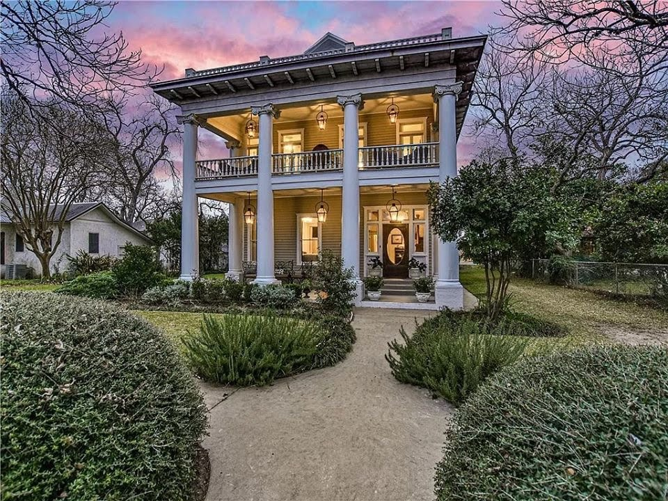 1910 Greek Revival For Sale In Smithville Texas