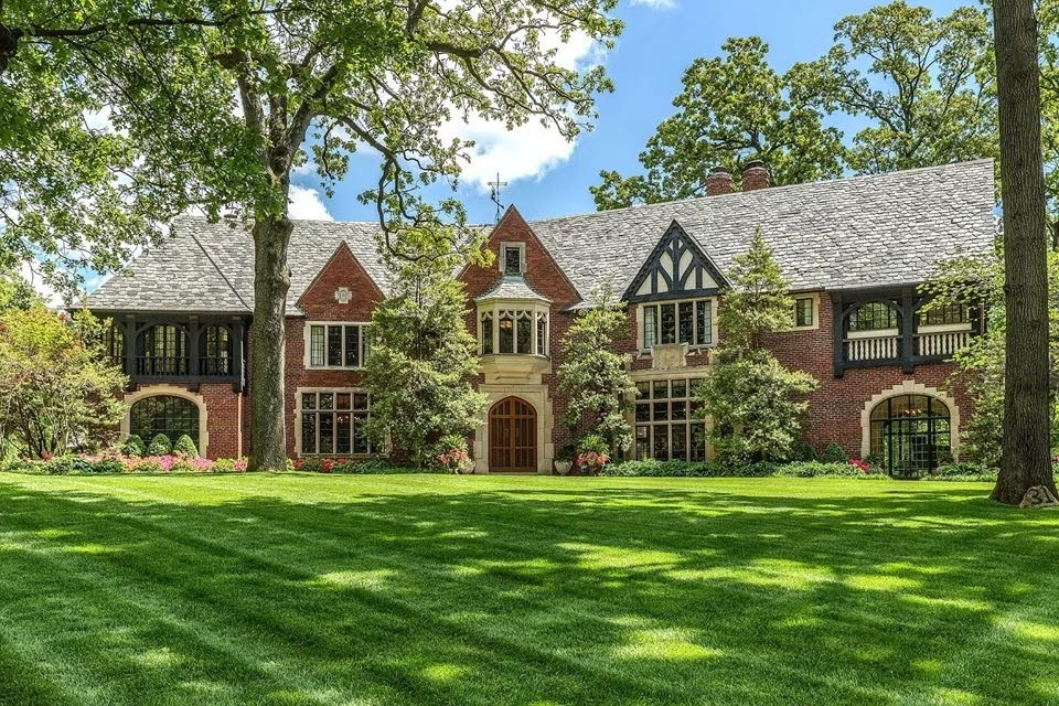 1927 Tudor Revival For Sale In Saint Louis Missouri