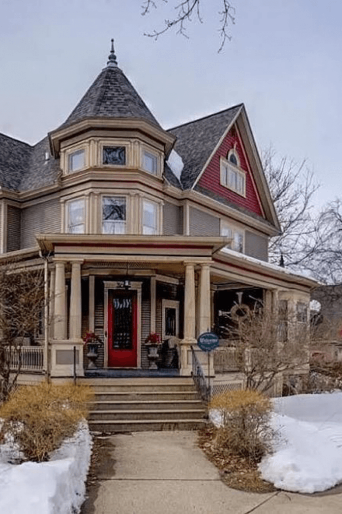 1902 Victorian For Sale In Columbus Wisconsin