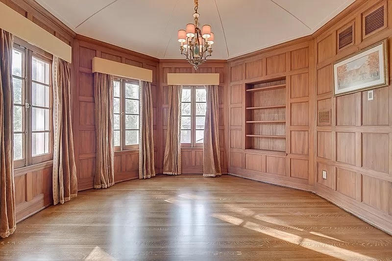 1925 Pink Mansion For Sale In Memphis Tennessee