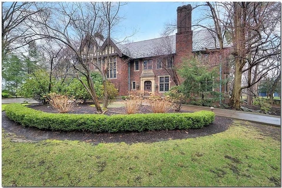 1920 Tudor Revival In Bratenahl Ohio