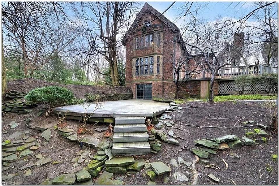 1920 Tudor Revival For Sale In Bratenahl Ohio