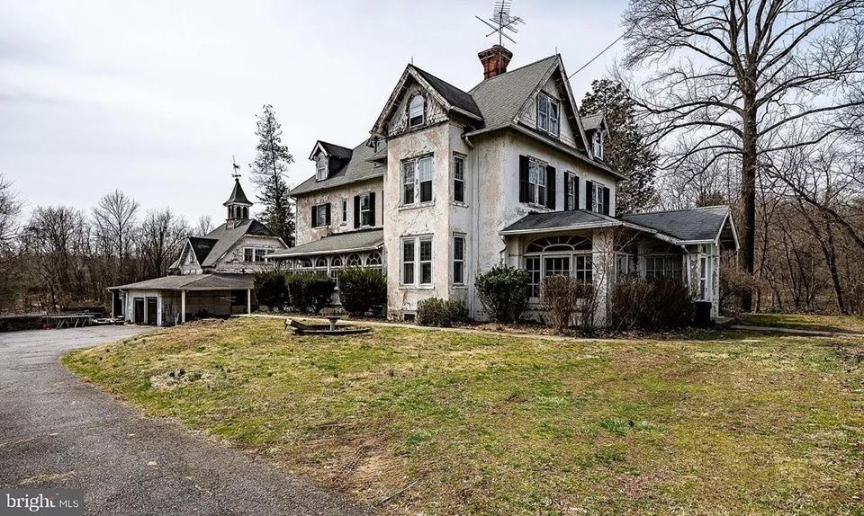1900 Fixer Upper In Glen Mills Pennsylvania