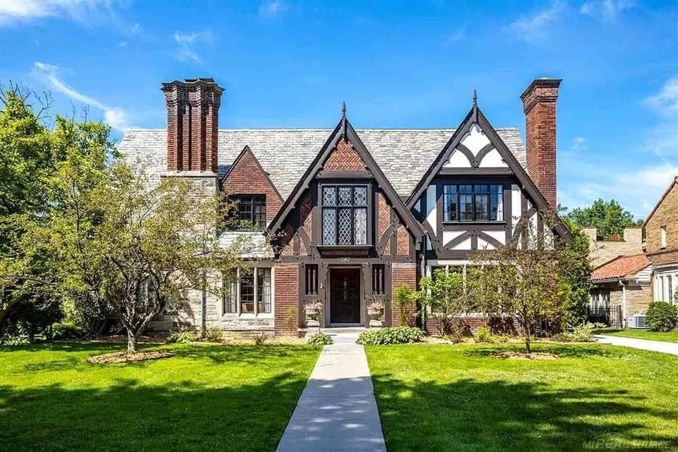 1937 Tudor Revival In Grosse Pointe Park Michigan