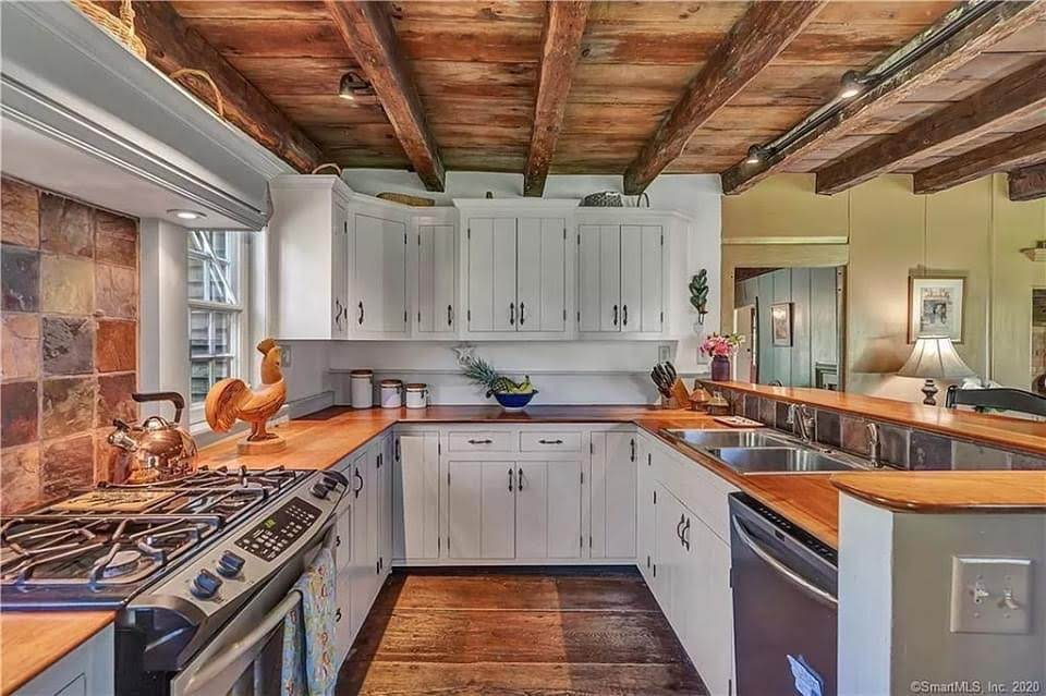 1706 Colonial For Sale In North Stonington Connecticut