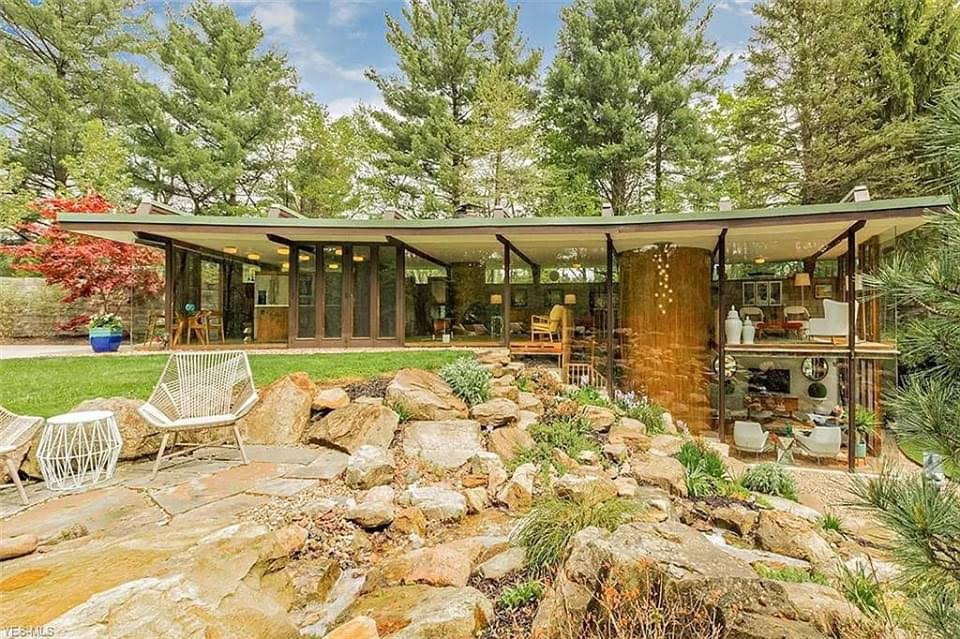 1961 Glass House For Sale In Chardon Ohio