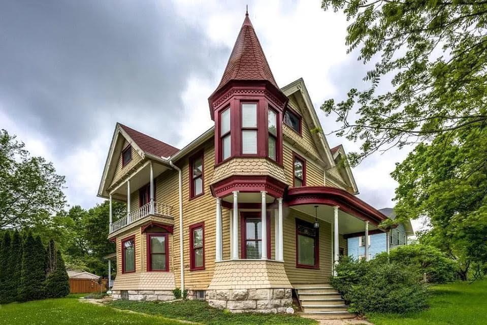 1880 Victorian For Sale In Burlington Iowa