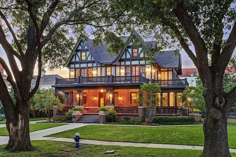 1910 Tudor Revival For Sale In Houston Texas