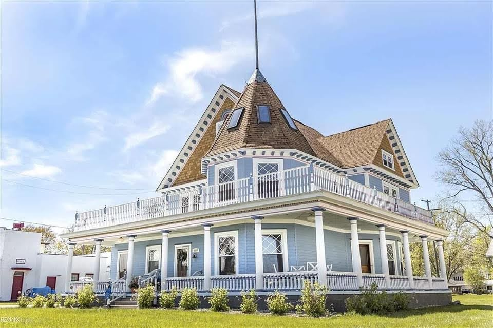 1896 Victorian For Sale In Harsens Island Michigan