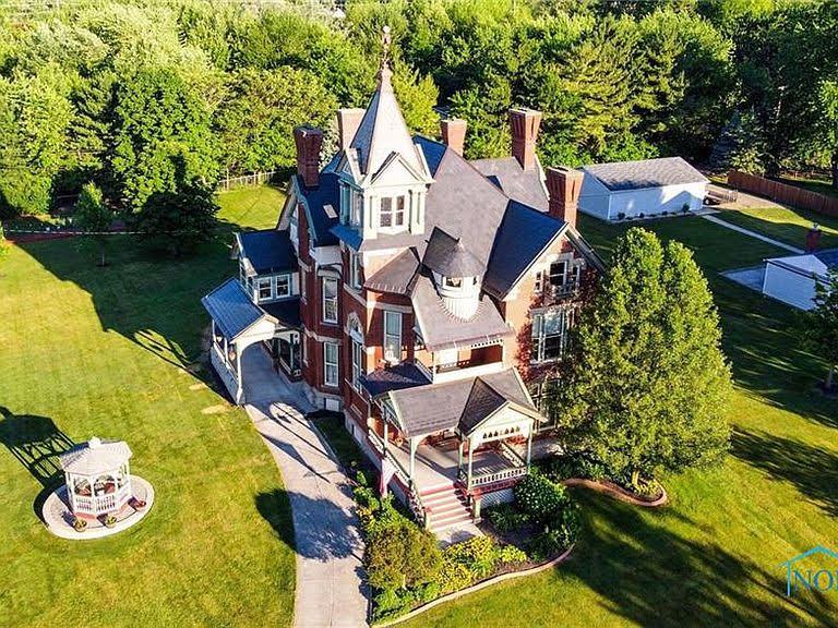1883 Victorian For Sale In Findlay Ohio
