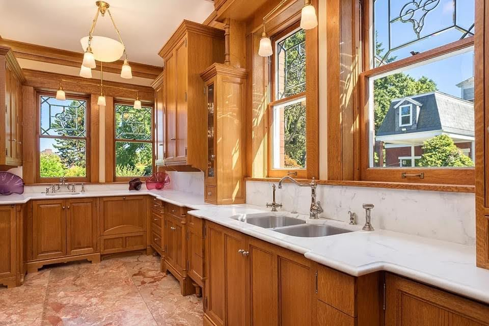 1905 Rucker Mansion For Sale In Everett Washington