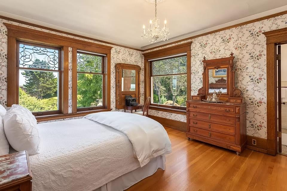 1905 Rucker Mansion For Sale In Everett Washington