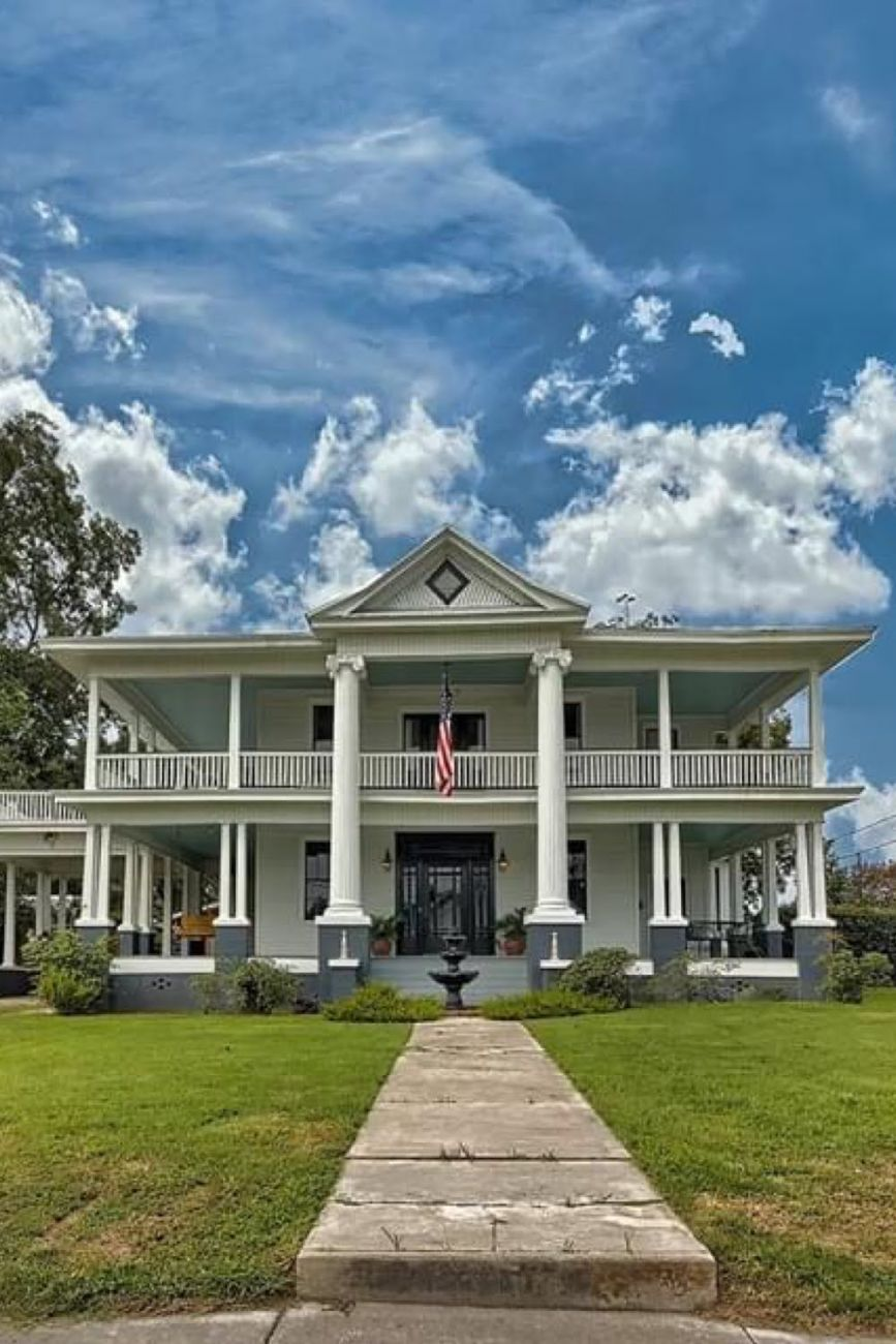 1906 Neoclassical For Sale In Bowman South Carolina