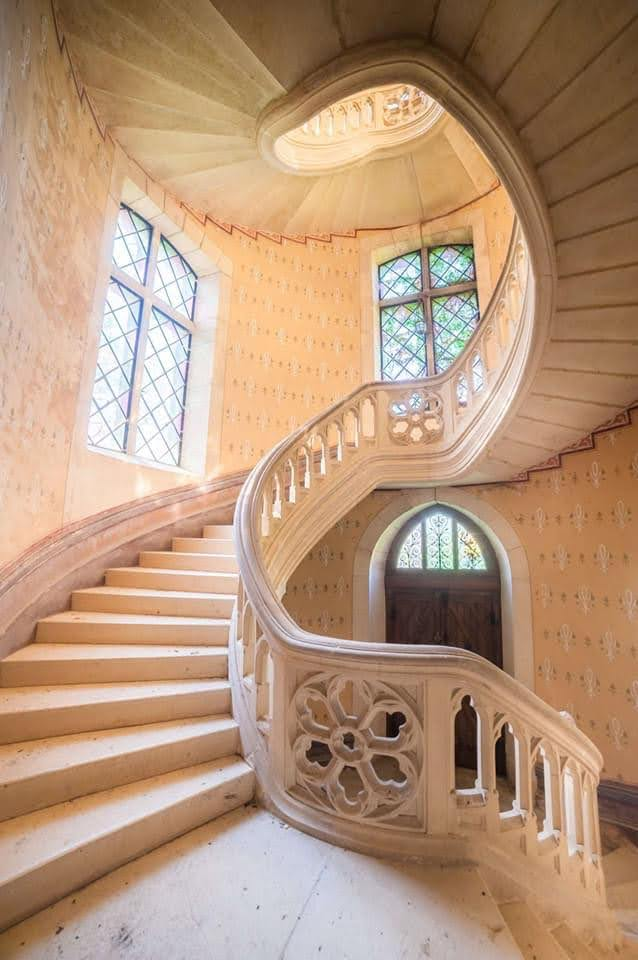 18th Century Castle For Sale In Saone Et Loire France