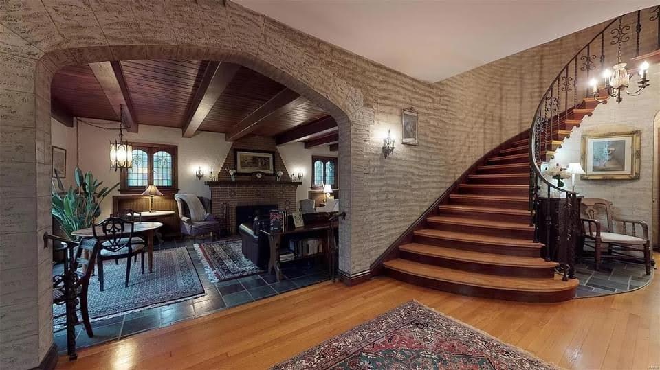 1931 Tudor Revival For Sale In Saint Louis Missouri