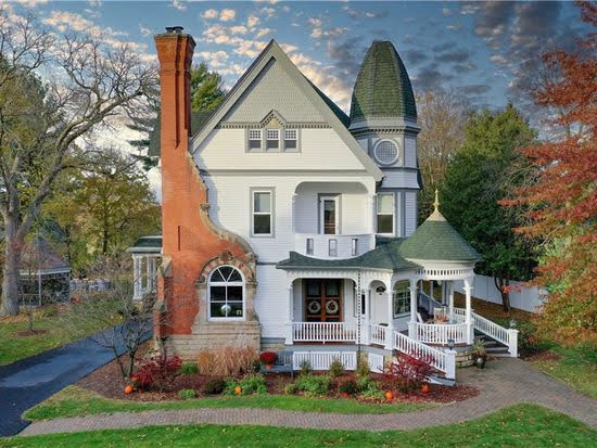 1894 Victorian For Sale In Eau Claire Wisconsin