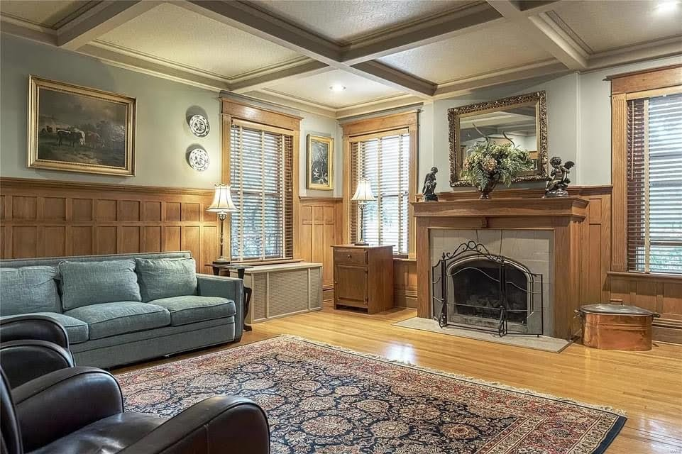 1903 Historic House For Sale In Alton Illinois