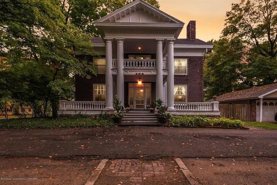 1910 Neoclassical For Sale In Eaton Rapids Michigan