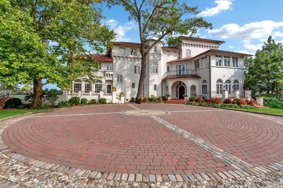 1917 Oak Island For Sale In New Rochelle New York