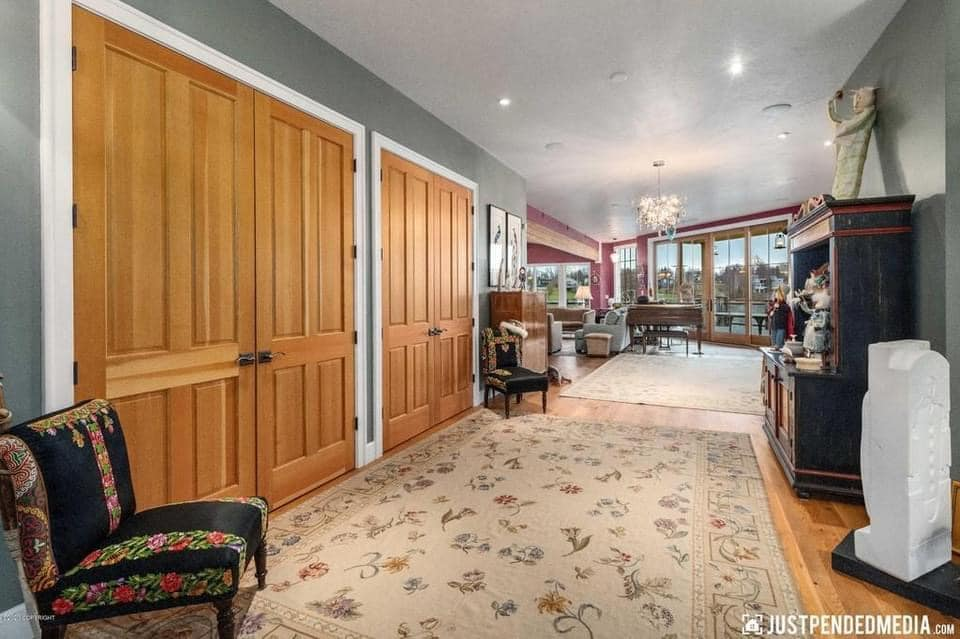 1965 Waterfront Mansion For Sale In Anchorage Alaska