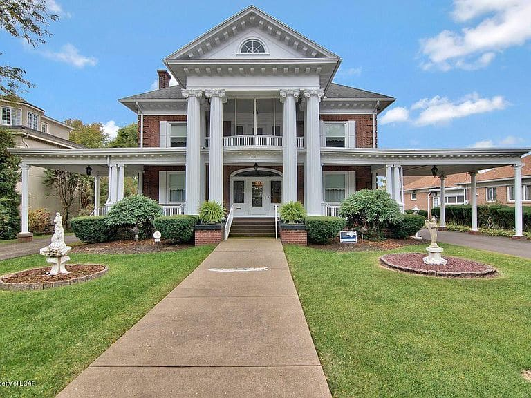 1900 Neoclassical For Sale In West Pittston Pennsylvania