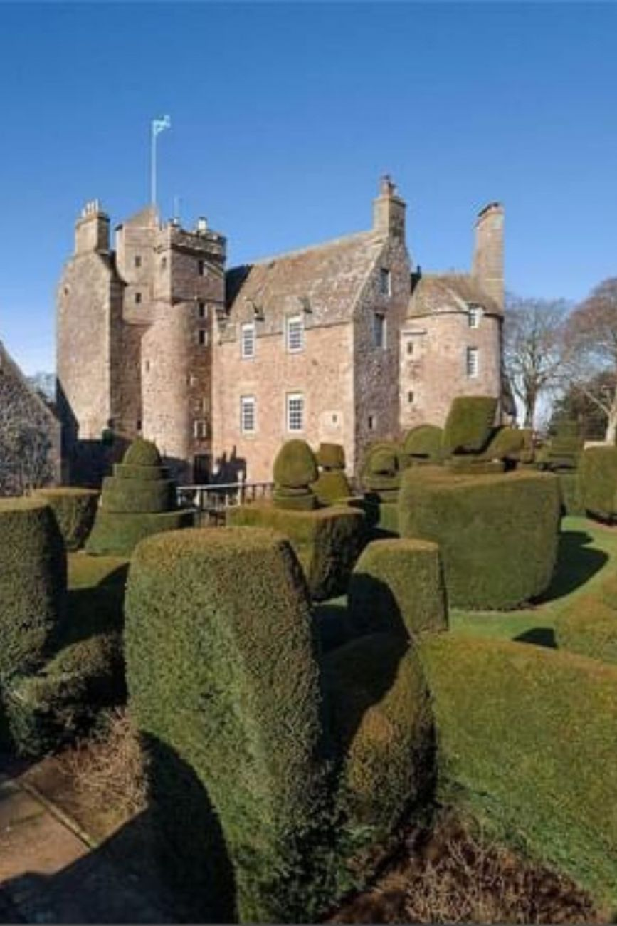 1546 Earlshall Castle For Sale In Fife Scotland