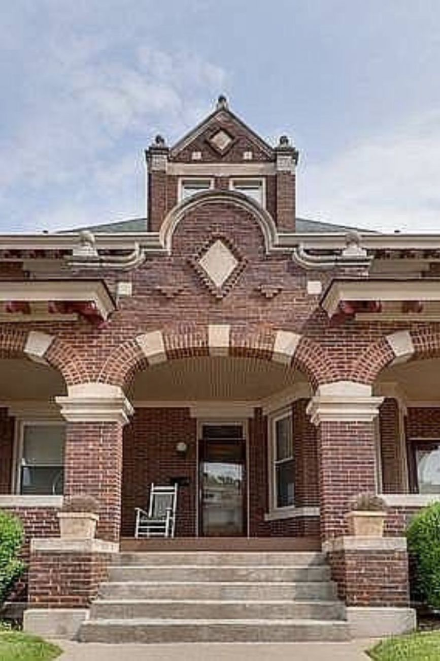 1909 Foursquare For Sale In Bloomington Illinois