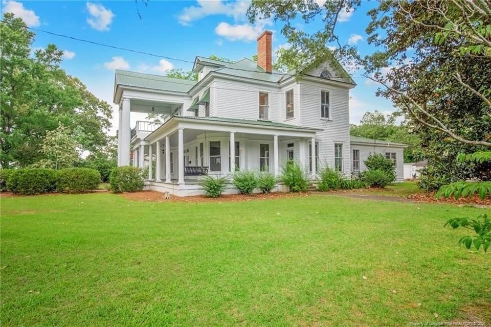 1900 Neoclassical For Sale In Saint Pauls North Carolina